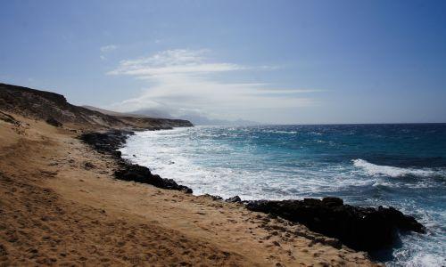 Playa De Agua Liques