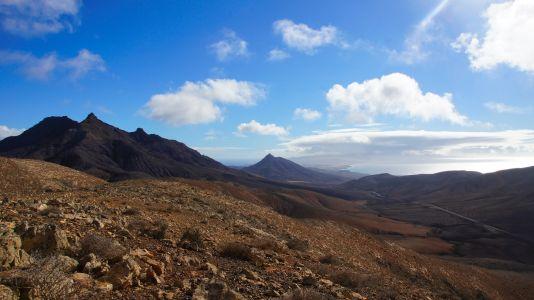 Blick über den Montaña Cardón zum Istmo de La Pared
